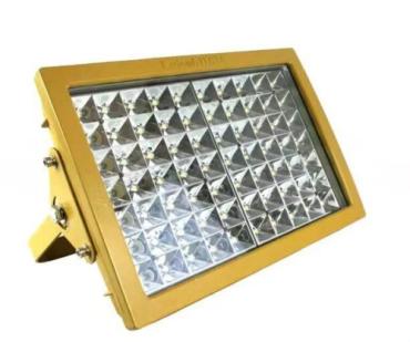 五,超高压输电线铁塔应设置高光强b型障碍灯,并为三层同步闪光.