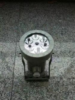 山寨手电驱动电路图