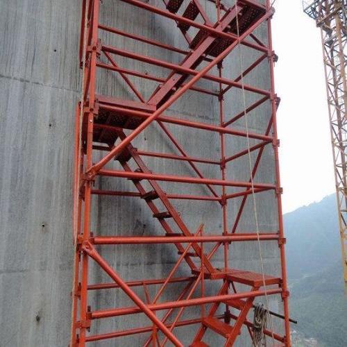 献县安全爬梯价格 施工安全爬梯厂家 献县华晨建筑器材设备厂