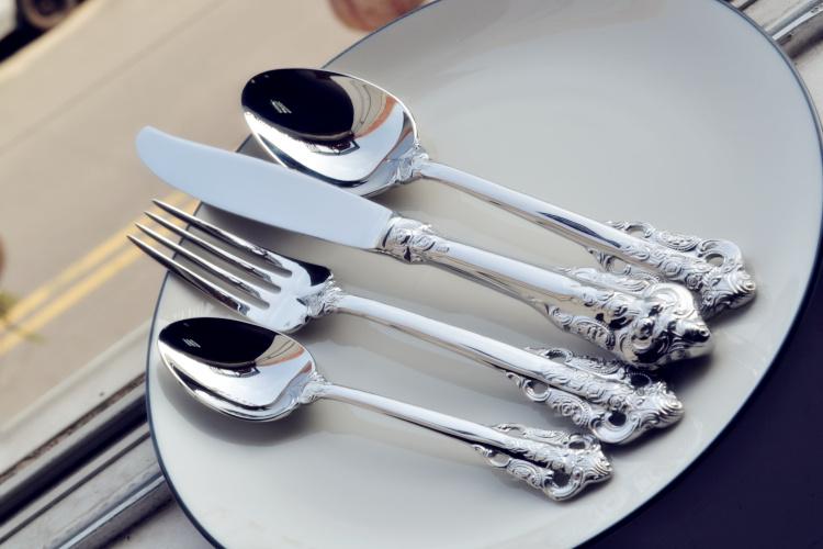 欧式雕花缕空不锈钢刀叉牛排西餐具高清图片 高清大图